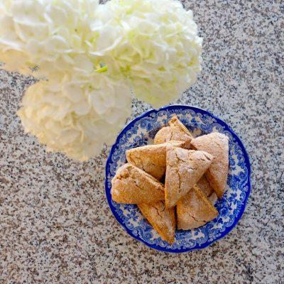 Simple Chai Scones