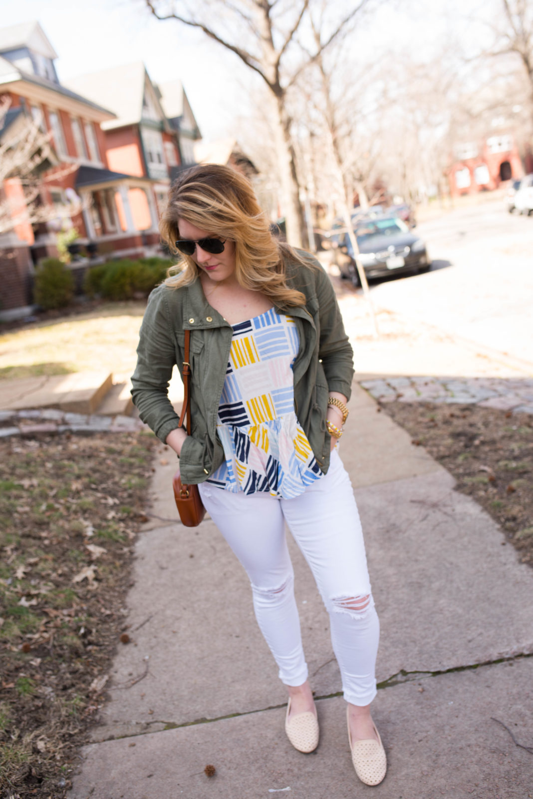 Graphic Cami & White Jeans-21