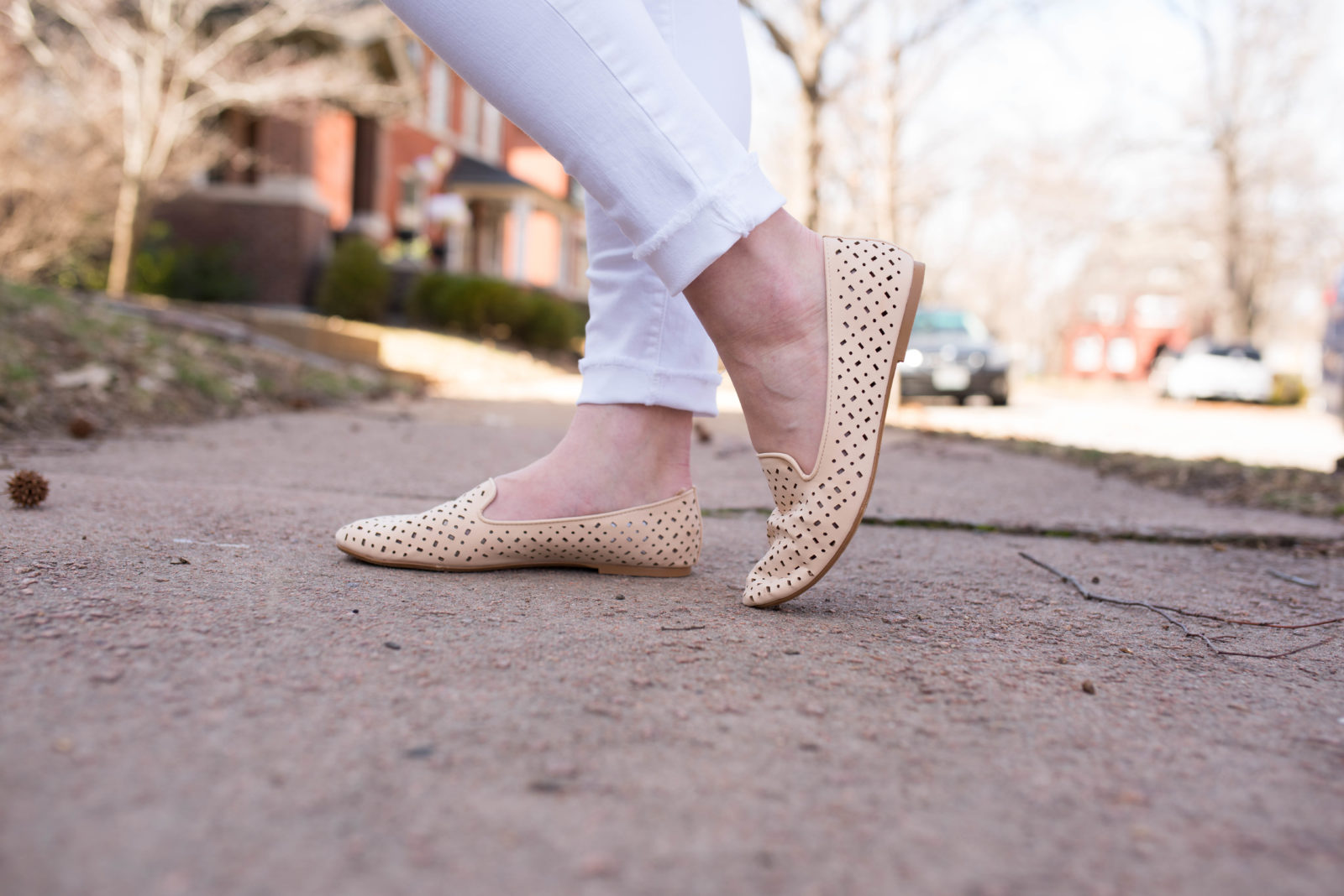 Graphic Cami & White Jeans-36