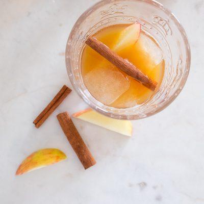 Apple Cider & Ginger Whiskey Cocktail
